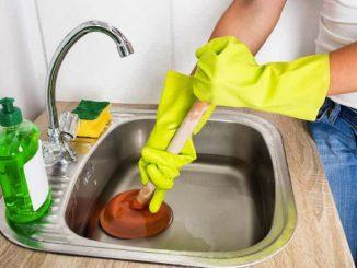 9 façons de déboucher une canalisation d'évier de cuisine