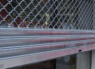 Pourquoi les entreprises ont-elles besoin d'un rideau métallique sécurisé